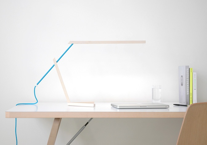 Mantis Desk Lamp 2