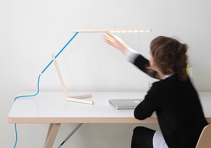 Mantis Desk Lamp 3