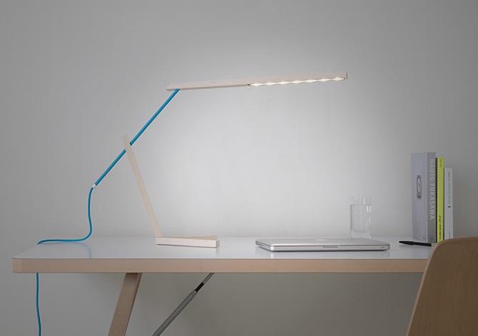 Mantis Desk Lamp 4