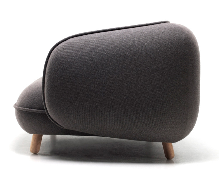 Snoopy Sofa by Iskos Berlin for Versus : snoopy sofa 3 from thedesignhome.com size 750 x 604 jpeg 106kB