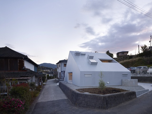 Cloudy House by Takao Shiotsuka Atelier 2