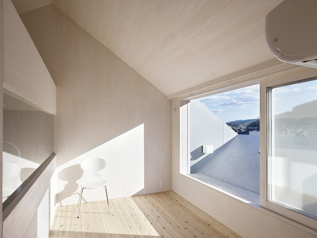 Cloudy House by Takao Shiotsuka Atelier 9