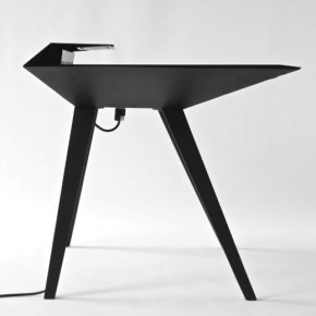 Desk 117 - A Minimalist Work Desk with Smart Cable Management