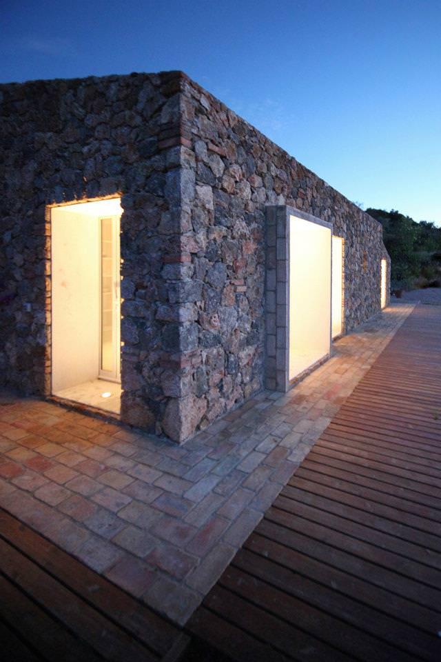 Seaside Single House by modostudio