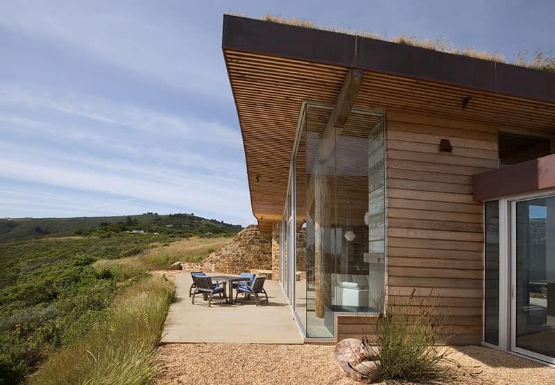 Dani Ridge Hill House by Carver + Schicketanz