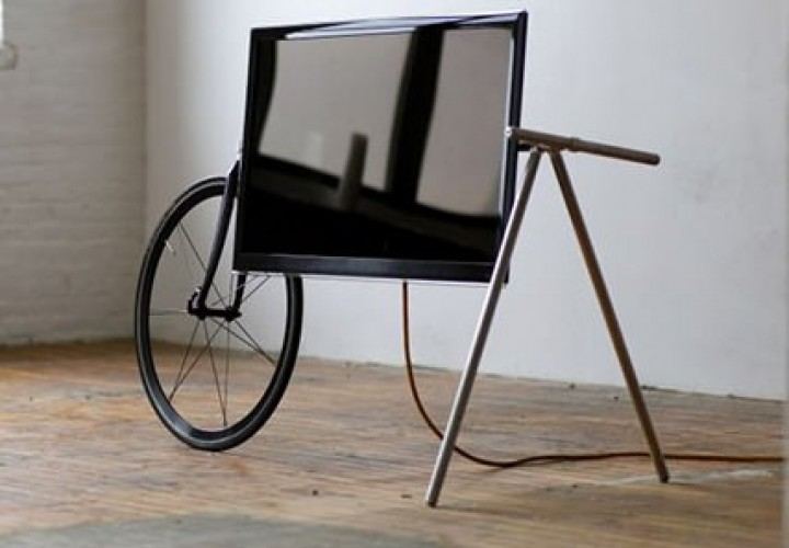 Unique Portable TV Stand By Taylor Levy And Che Wei Wang