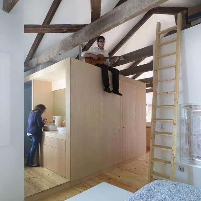 Principe's Box House Renovation by u+a arquitectura