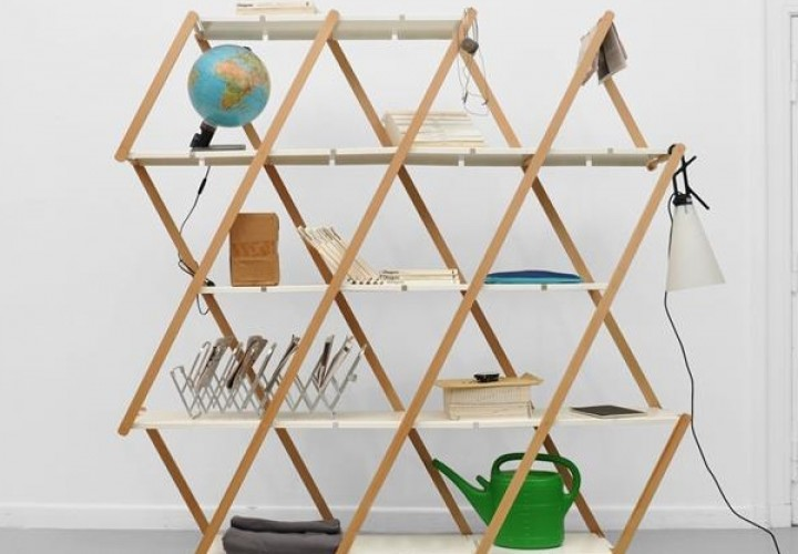 Set Expanding Shelving System by Stephanie Hornig