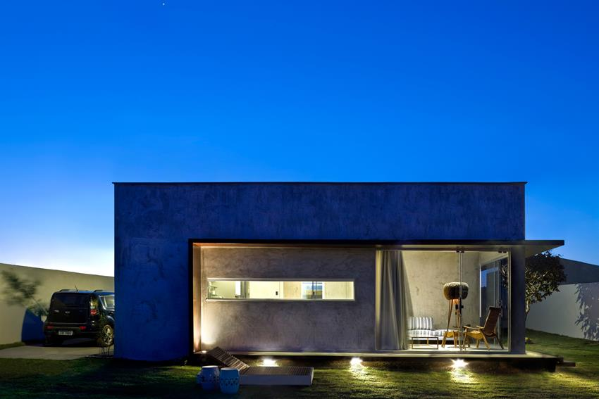 Box House by 1:1 arquitetura-design