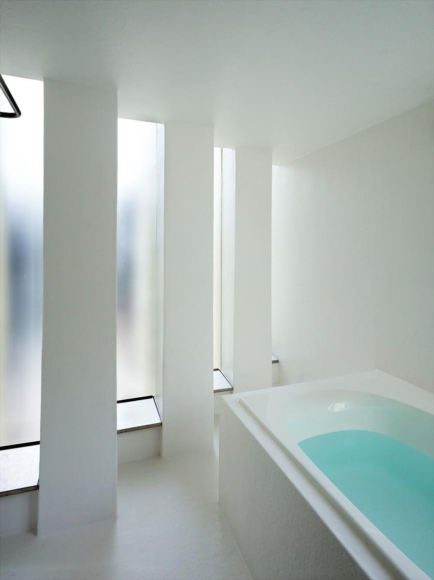 House in Muko by Fujiwarramuro Architects