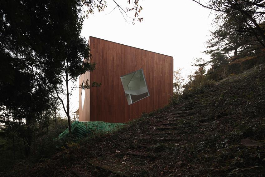 Villa Kanousan by Yuusuke Karasawa