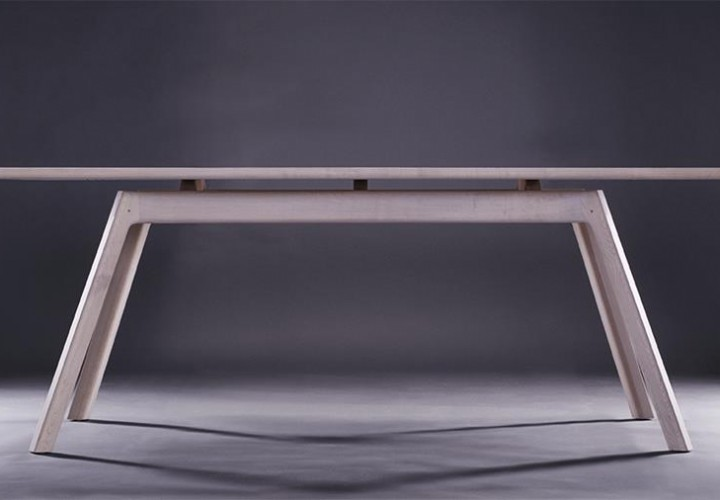 Jugo Table by Stuido Gud
