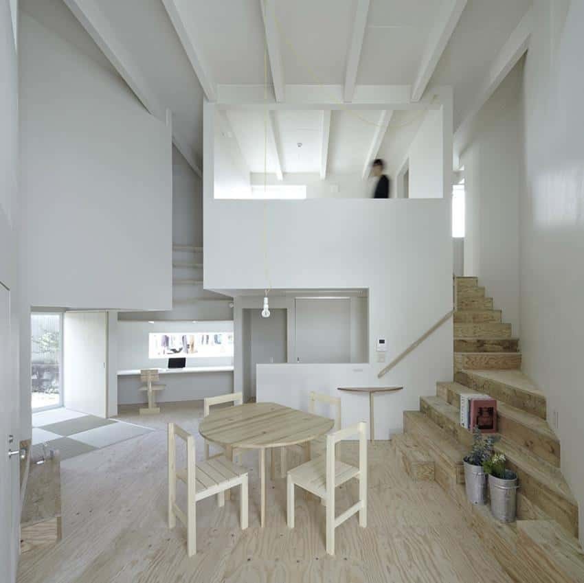 House In Iizuka by Rhythmdesign