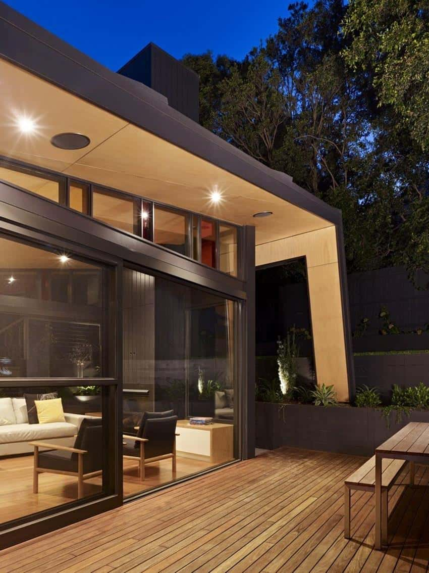 Kew House by Nic Owen Architects