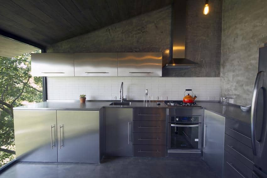 Chipinque Apartment Renovation by Jakob Gómez