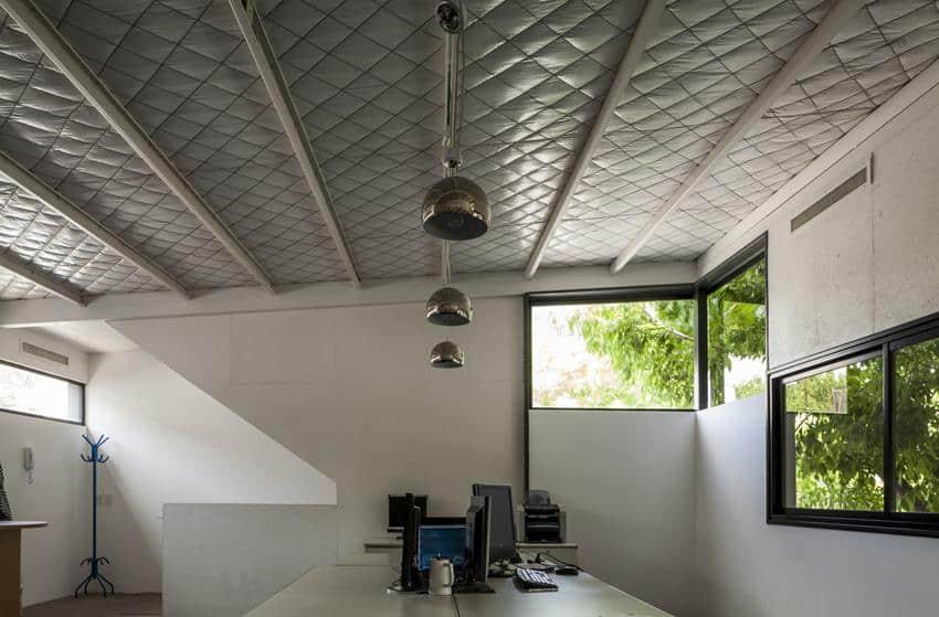 Office & House Luna by Hitzig Militello arquitectos