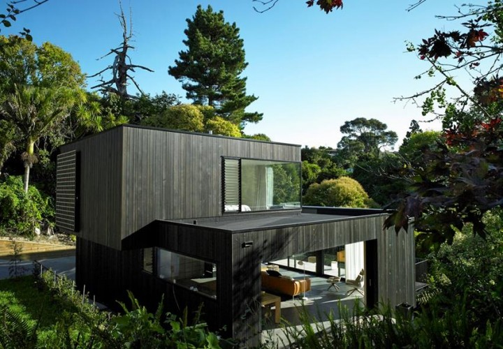 Waiatarua House by Hamish Monk Architecture