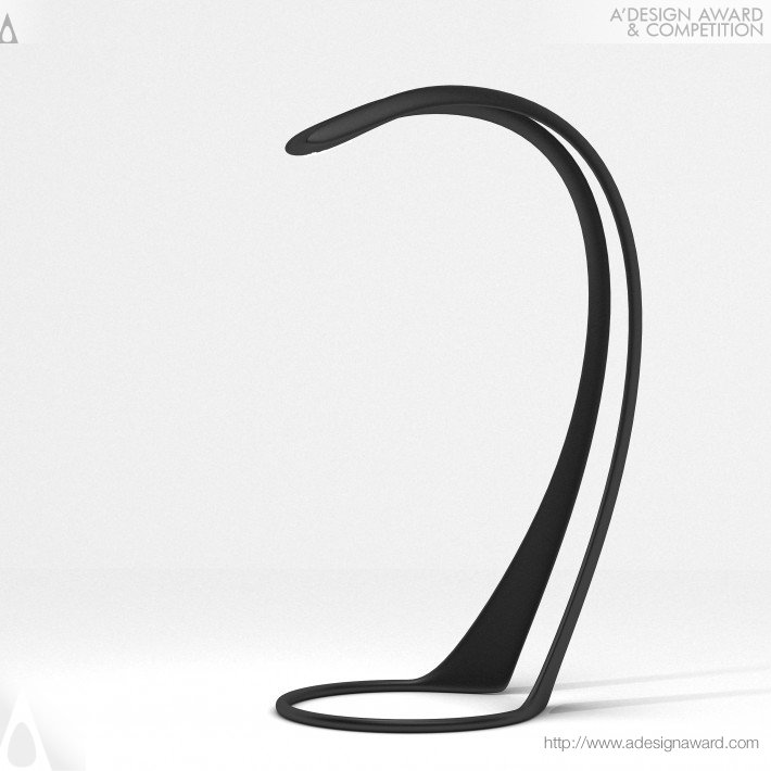 18-aida-desk-lamp
