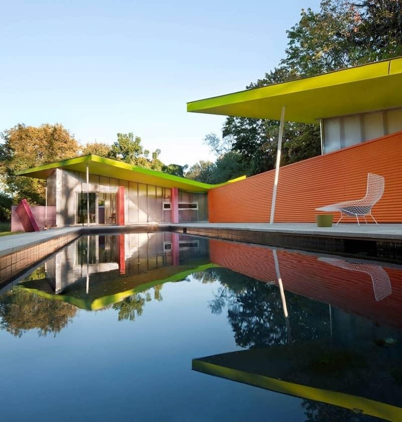 Bright minimalist home near New York