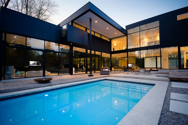 Luxurious family house with private theater in Canada1