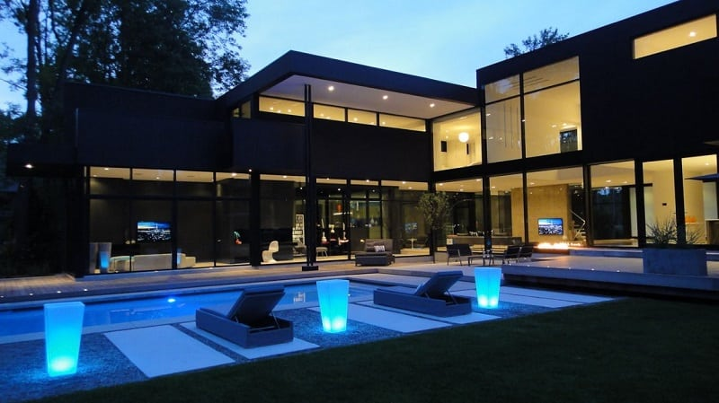 Luxurious family house with private theater in Canada12