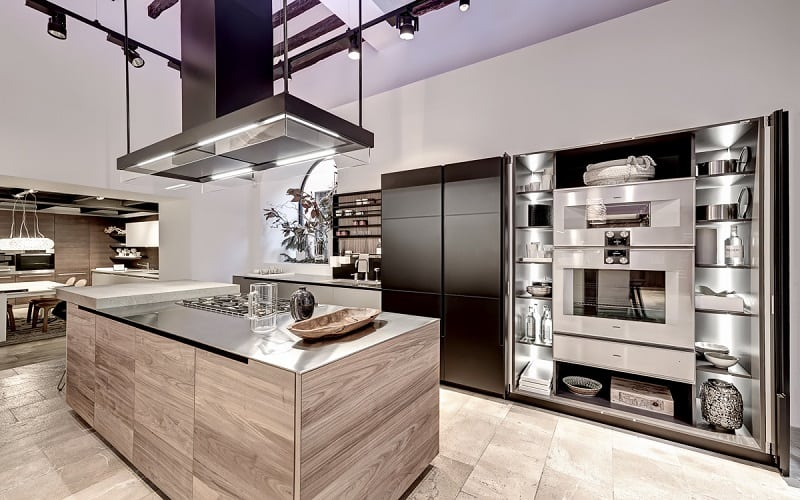 Modern spacious kitchen designs by Varenna4