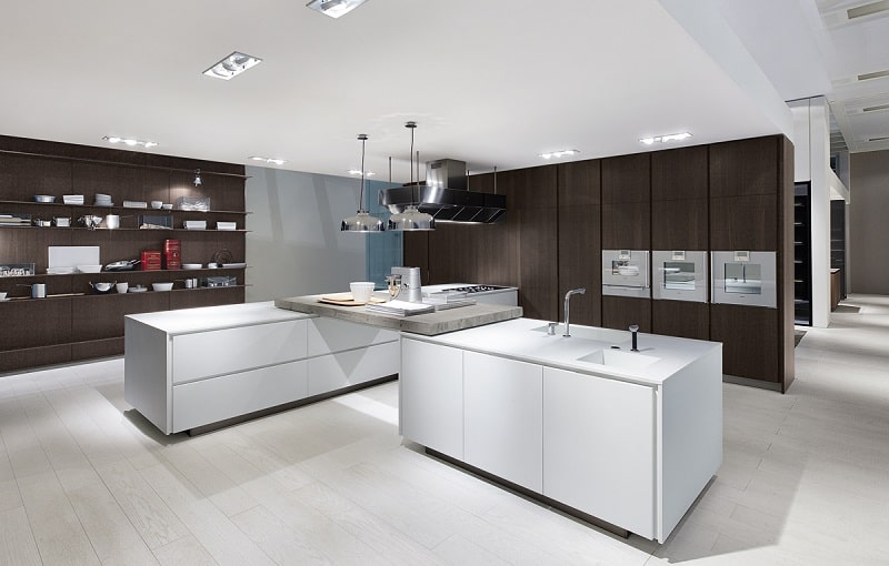 Modern spacious kitchen designs by Varenna7