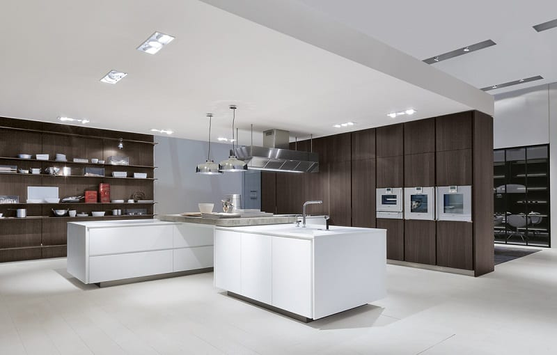 Modern spacious kitchen designs by Varenna9