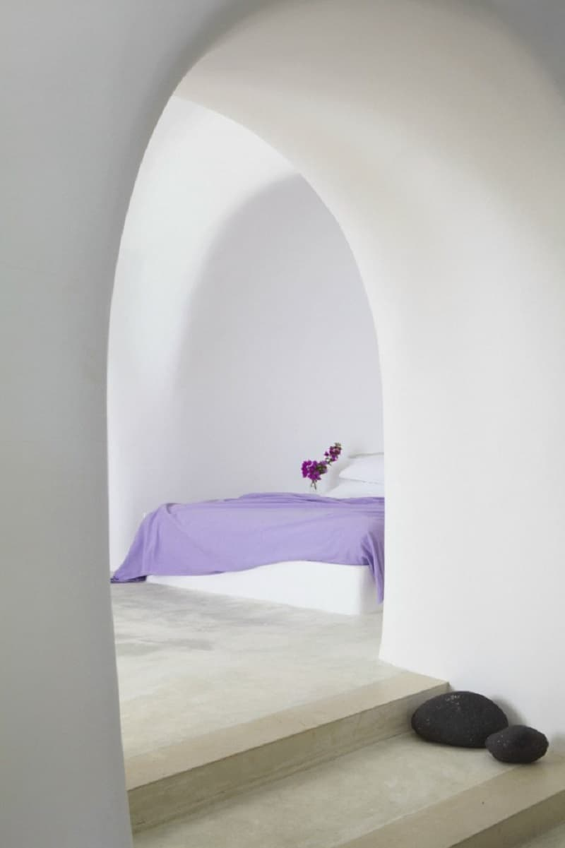 Intimate haven in Santorini8