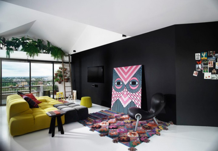 Australian apartment with bold colors and elements