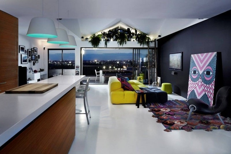 Australian apartment with bold colors and elements1