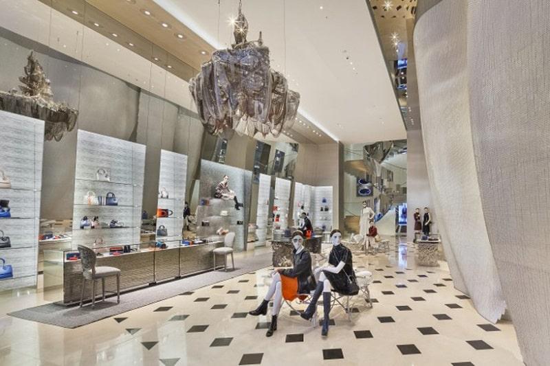 Dior's boutique in Seoul looks like a delicate calla3