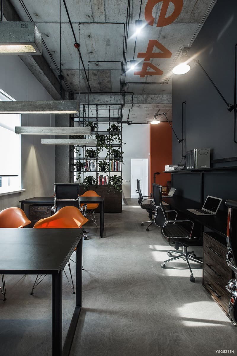 Cool offices in industrial style for Interesting office interiors
