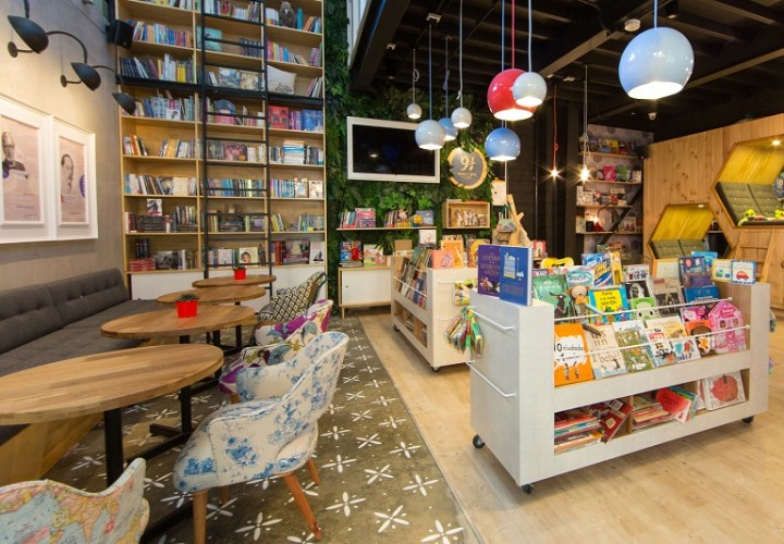Bookstore-café with a warm appealing interior