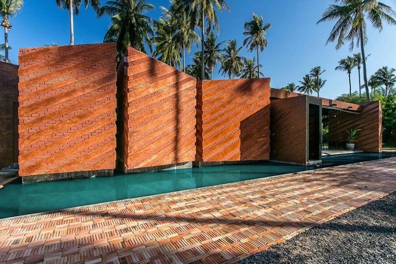 Contemporary villa with an impressive architecture3