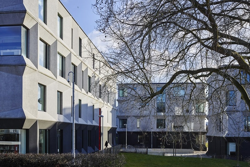 Secondary school with contemporary design in London4