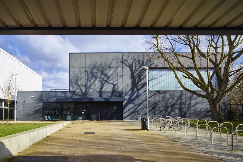 Secondary school with contemporary design in London9