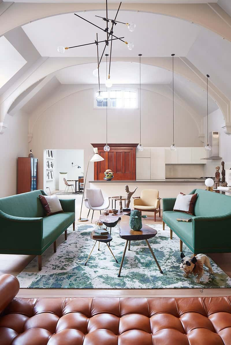 Old courthouse transformed into a refined apartment with vintage furniture and décor2
