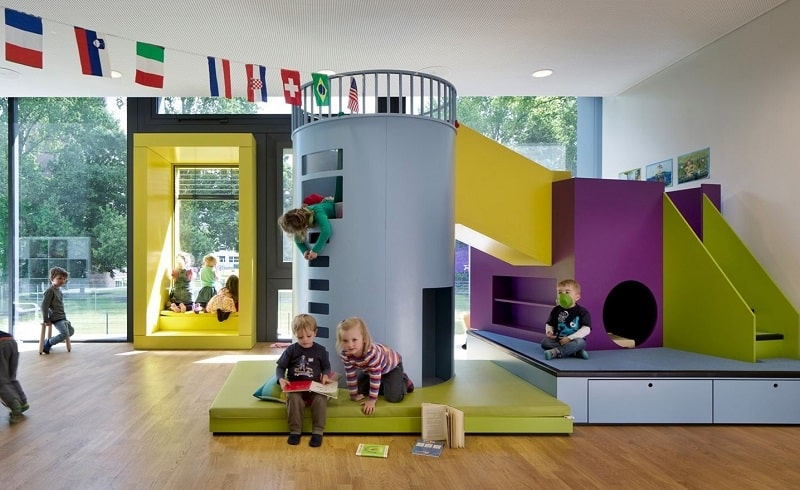 Children's daycare centre in Hamburg with a playful façade6