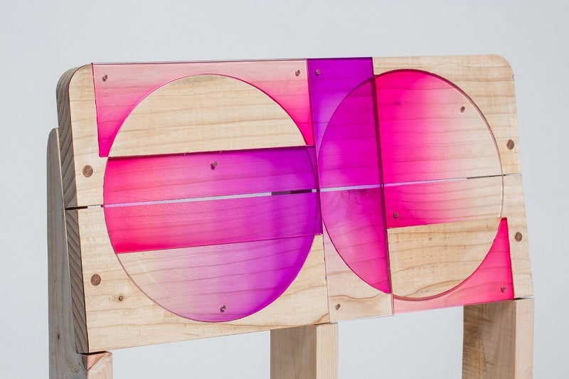 Wooden pallets transformed into vibrant designer chairs2