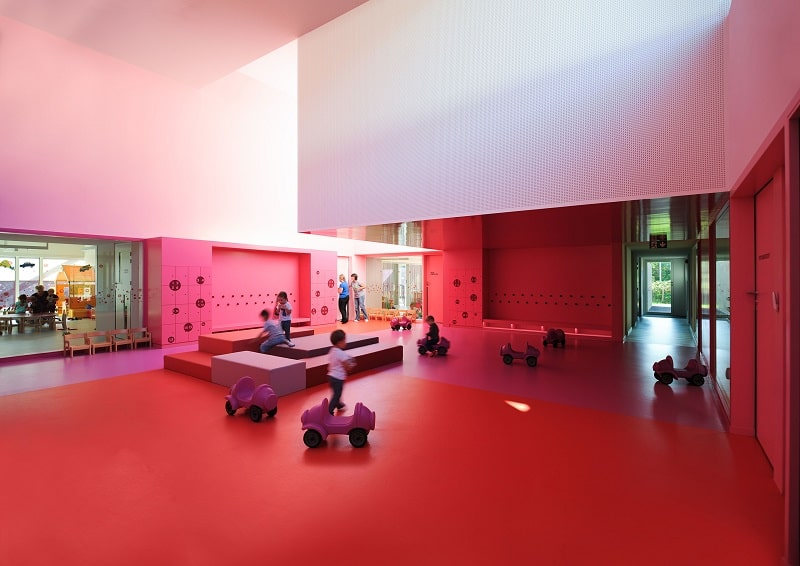 Colorful kindergarten in France4