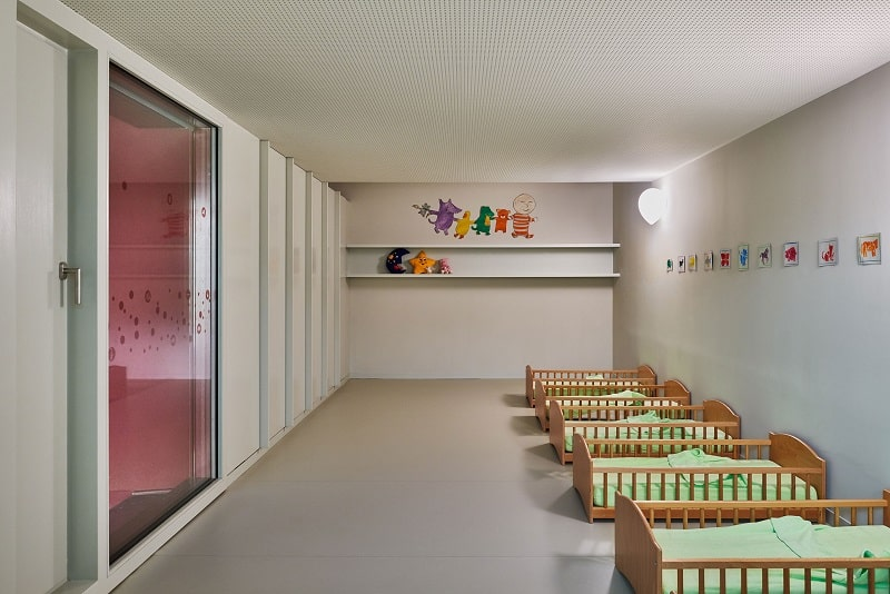 Colorful kindergarten in France6