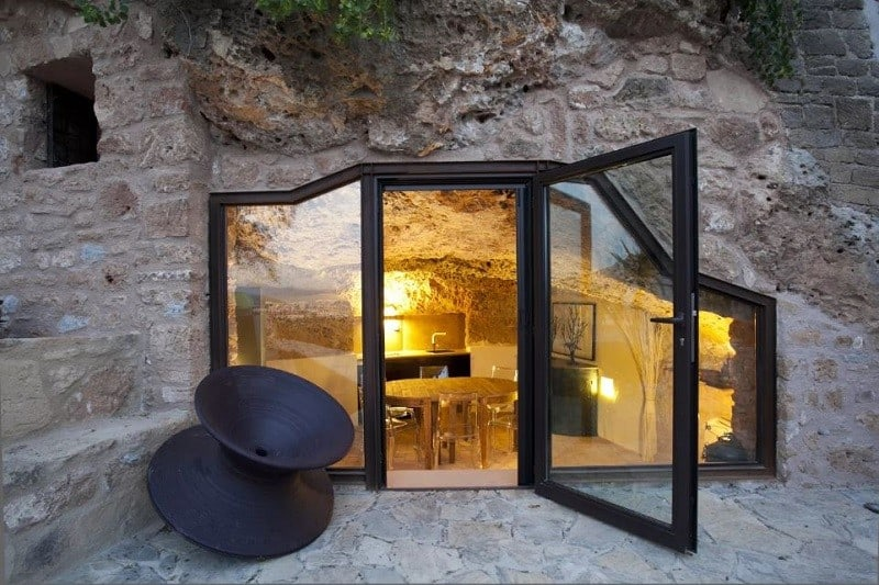 Comfortable apartment in a cave in Sicily