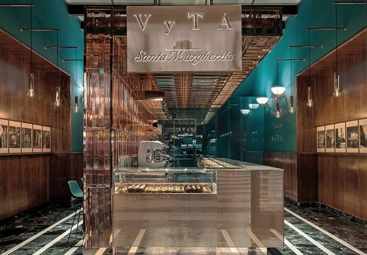 old-railway-station-waiting-room-transformed-into-an-elegant-cafe
