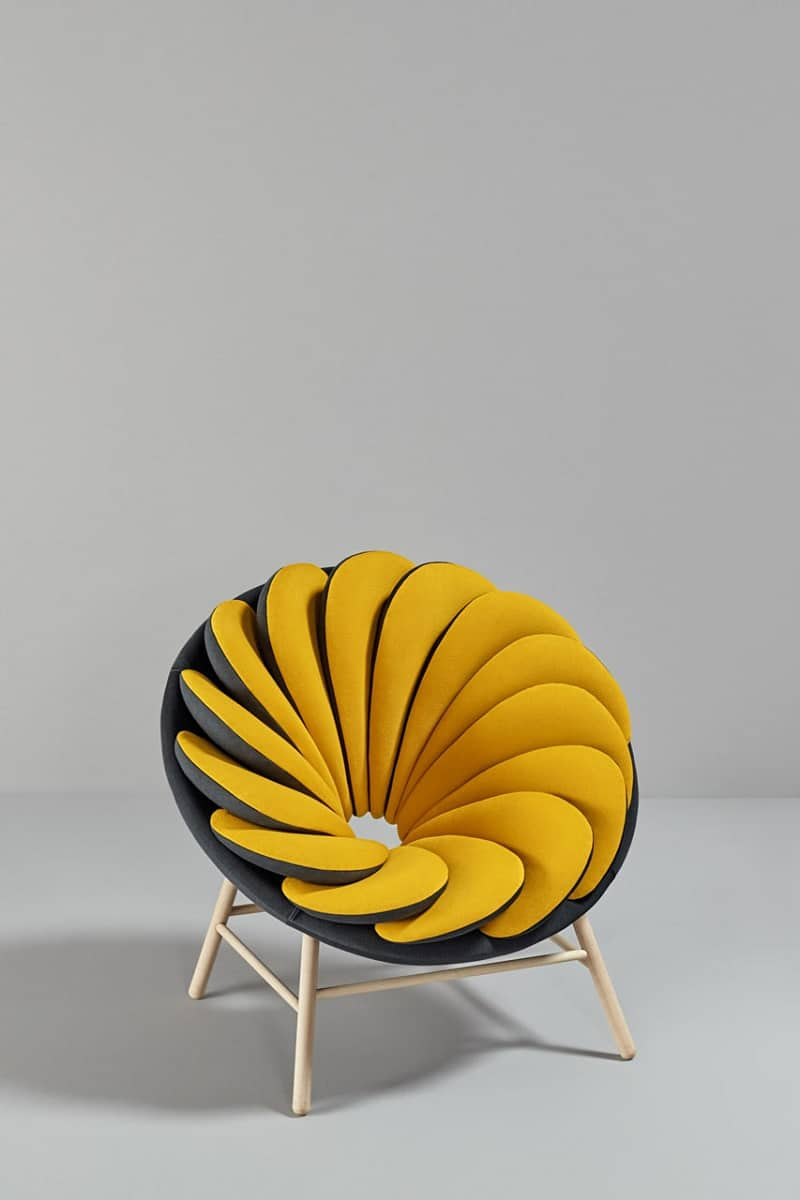 Quetzal, a comfortable armchair inspired by tropical birds1