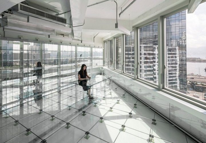 business-interior-completely-made-of-glass