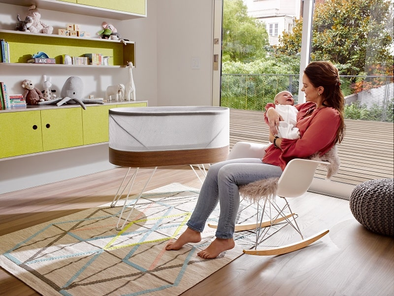 snoo-designer-bed-that-automatically-rocks-your-baby2