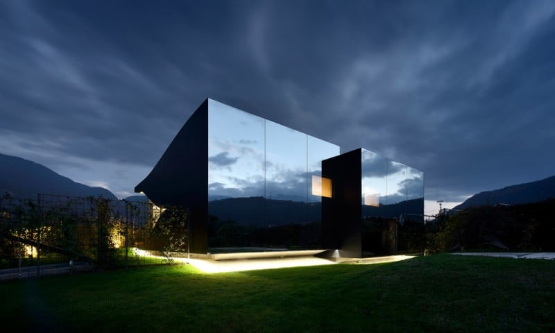 the-beauty-of-the-dolomites-reflected-in-the-facades-of-mirror-houses
