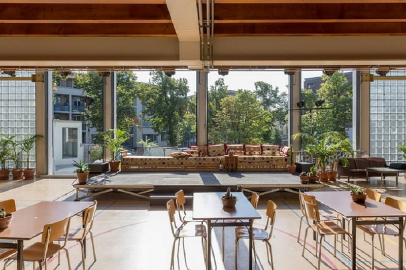 new-coworking-space-in-the-place-of-an-old-school-in-amsterdam1