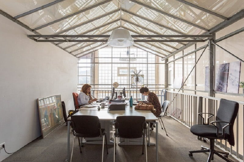 new-coworking-space-in-the-place-of-an-old-school-in-amsterdam4